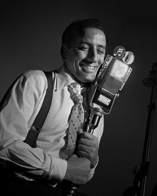Tony Bennett, New York City, 1950. Herman Leonard, photographer.