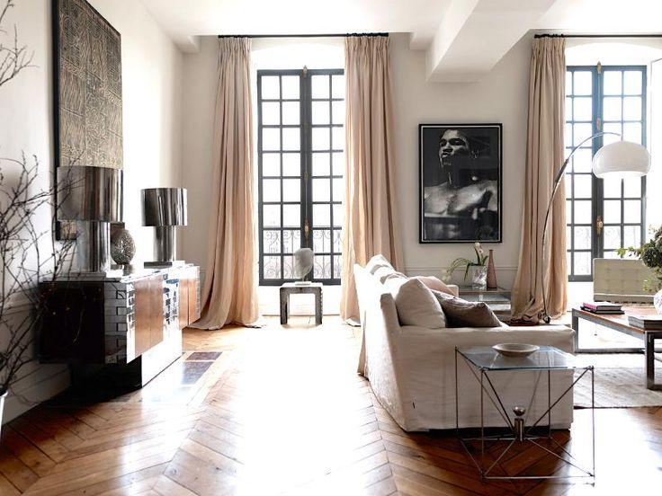 Marianne Tiegen Living Room design with hardwood floor