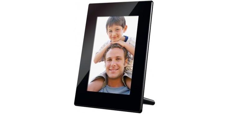 "Sony HD800 - Ekran LCD 20,3cm (8"") WVGA, filmy HD idźwięk, 2GB pamięci, pilot, energooszczędny programator.http://www.sony.pl/product/dpf-performance/dpf-hd800"
