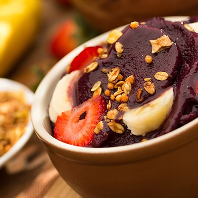 Ingredients ONE pack of frozen Acai Pure or Acai Energy Organic Apple Juice or Coconut Water – half a cup (add more to give a runnier consistency) 1 organic frozen banana ½ -1 cup granola Optional: natural sweetener, additional toppings …Read More