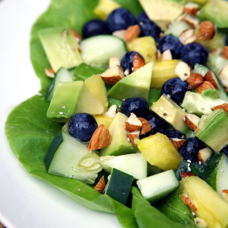 Sweet and Tropical Flat-Belly Salad: Ab exercises aren't the only piece in solving the flat-belly puzzle — diet plays a huge role, too.