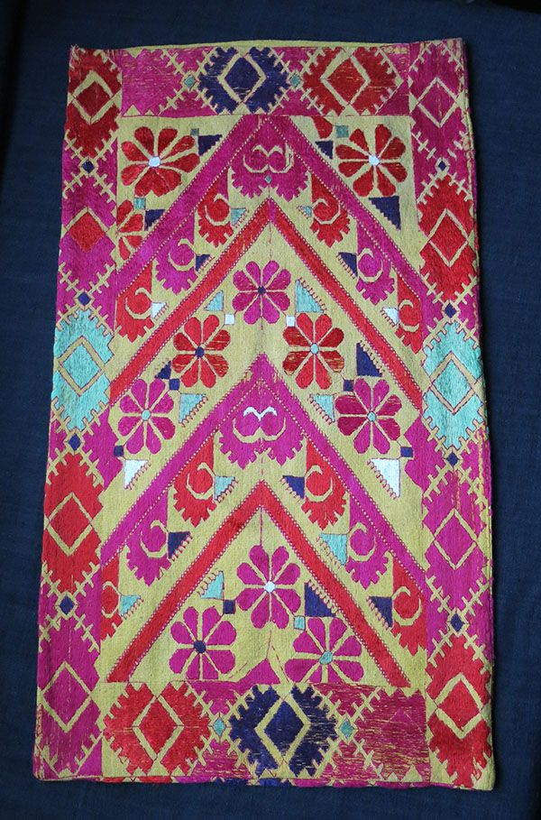 north-pakistan-kohistan-swat-valley-silk-floss-embroidered-bolster-cover