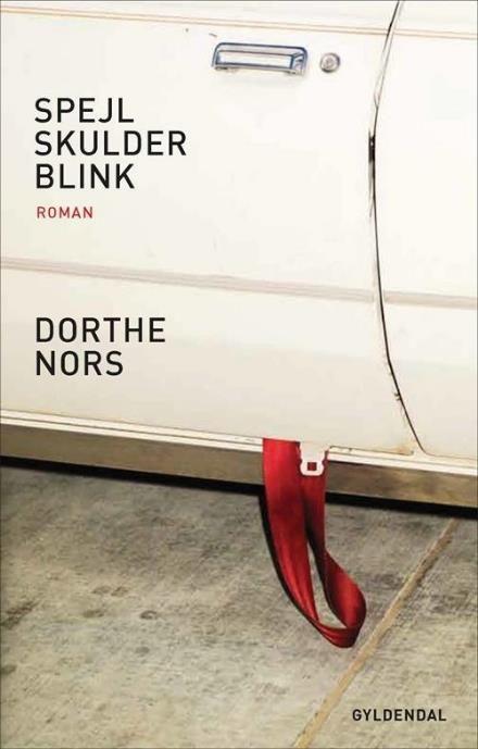 Læs om Spejl, skulder, blink - roman. Udgivet af Gyldendal. Bogen fås også som E-bog eller Lydbog. Bogens ISBN er 9788702189391, køb den her