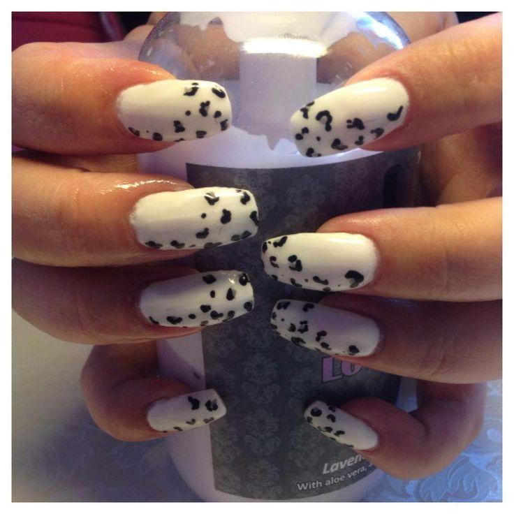 Vita leopardnaglar