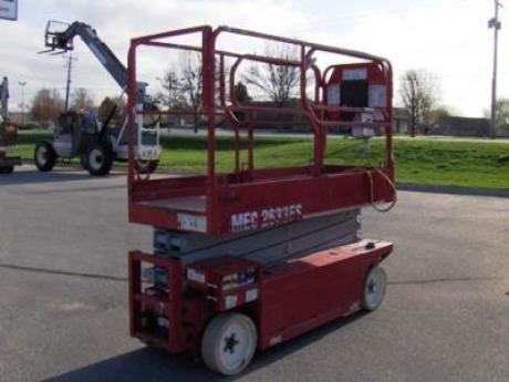 MEC Aerial Work Platforms    http://www.rockanddirt.com/equipment-for-sale/MEC/aerial-work-platforms