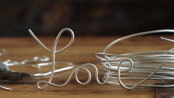 How to make words from wire : www.theMagicOnions.com