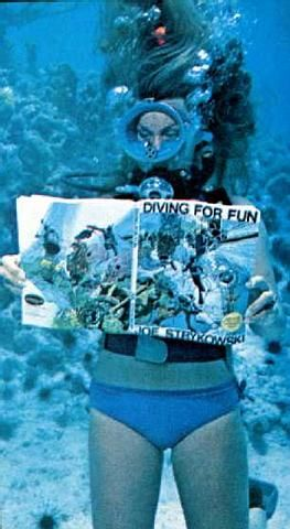 Mature milfs underwater