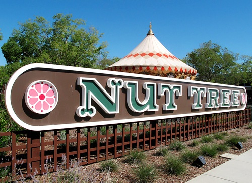 I love the Nut Tree!: Favorite Places, Bread, Bygone Places