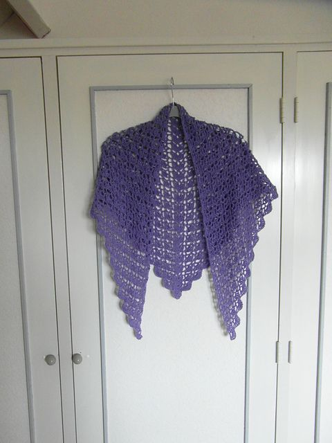 Ravelry: Willemtje's Lilac Spring Shawl
