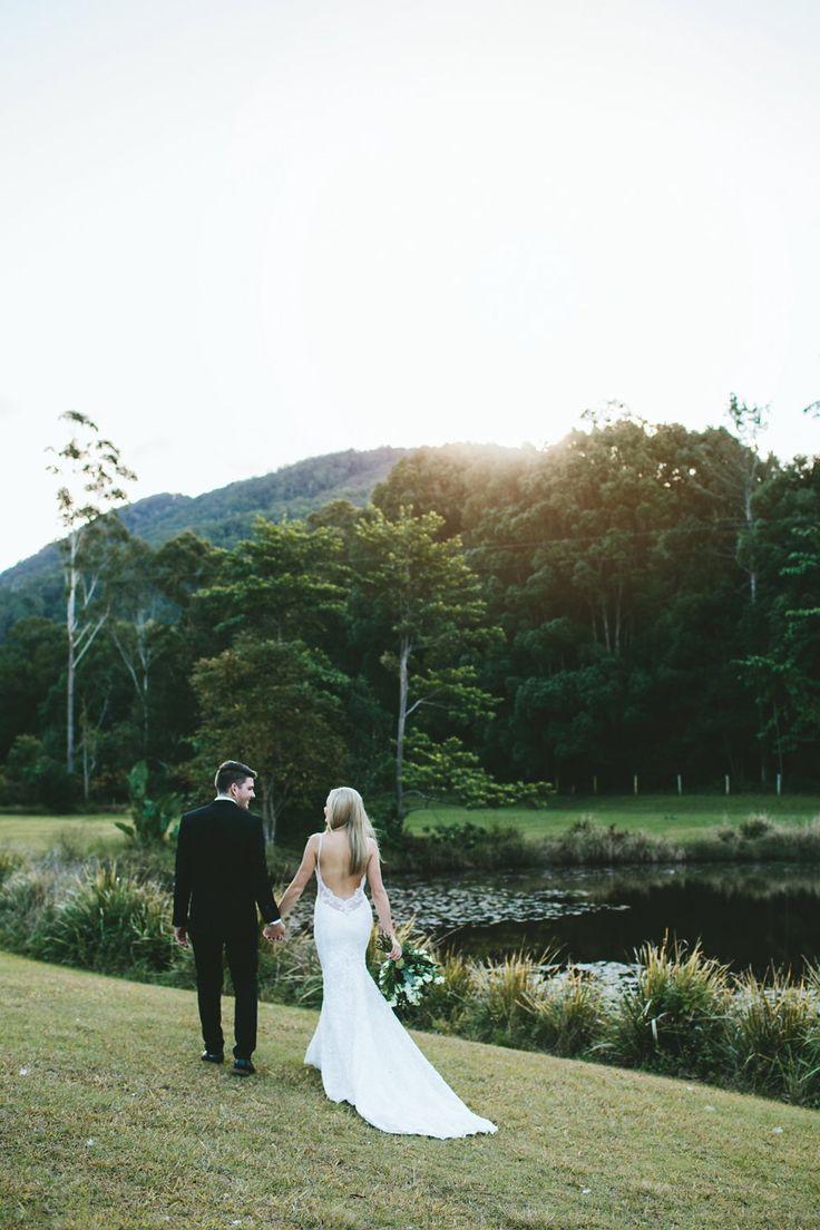 Jarrad + Julia :: Mavis' Kitchen and Cabins Tweed Coast Real Wedding