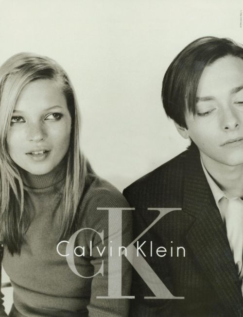 Kate Moss & Edward Furlong (Calvin Klein 90's). Smudged liner on the outer Corners of the eye...