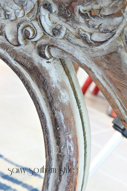 DIY: How To Get An Aged Paint Finish - this finish is so easy to do - simply paint, then wipe off!