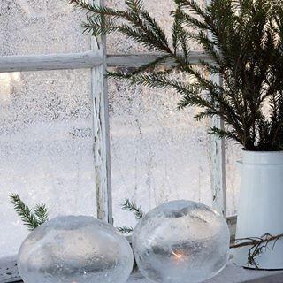 Olemme joka vuosi tehneet itse kuusenkoristeet lasten kanssa. On mukava ripustaa itsetehdyt koristeet joulukuuseen ja muistella menneitä. Tänä...