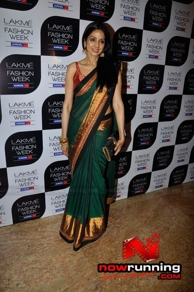 Sridevi @ Vidya Balan graces Sabyasachis super show at LFW 2011