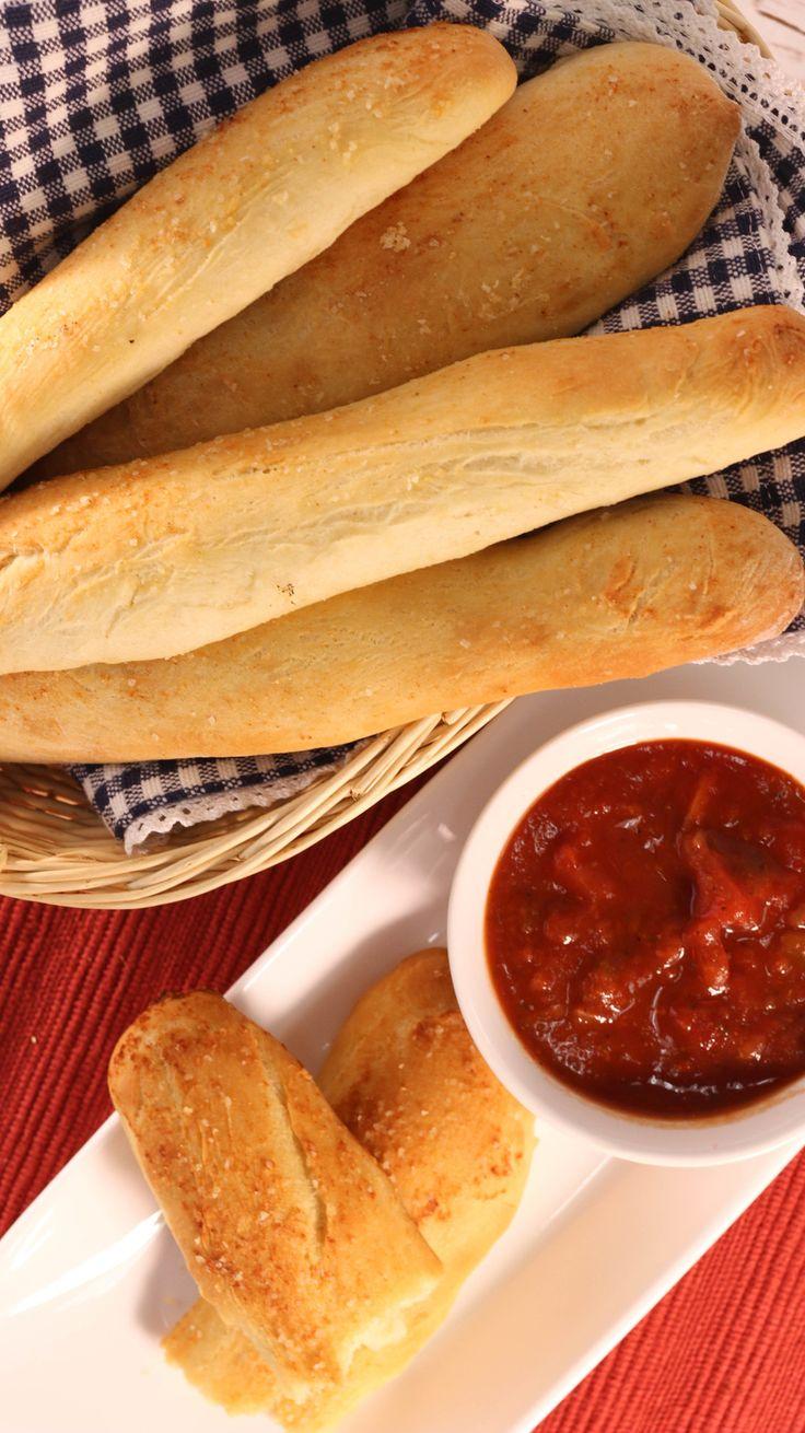 Olive Garden Bread Sticks Copycat Recipe | RecipeLion.com