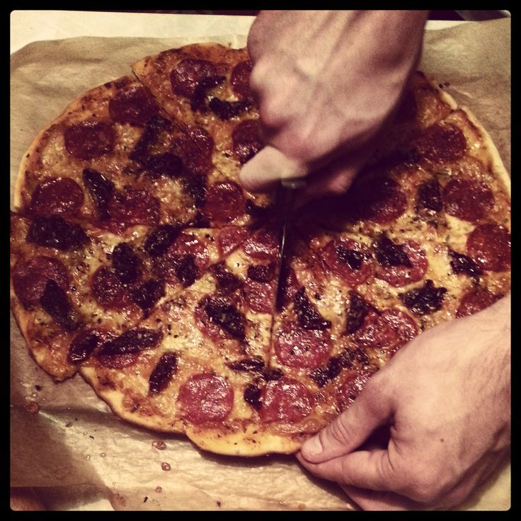 #homemade #pizza #pepperoni #dried #tomatoes