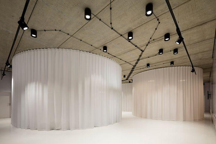 chybik-+-kristof-architects-dva-furniture-pavilion-czech-republic-designboom-04