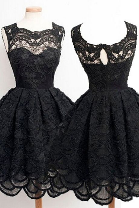 Vintage A-line Black Knee-length Sleeveless Backless Lace Homecoming Dress with Appliques