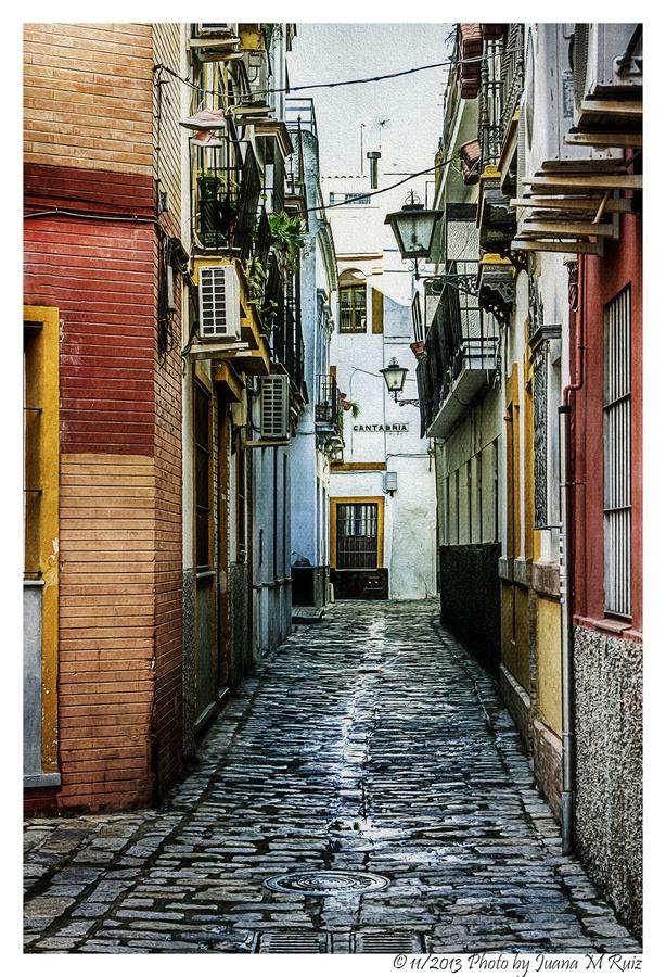 Cobblestones by Juana Maria Ruiz, via 500px