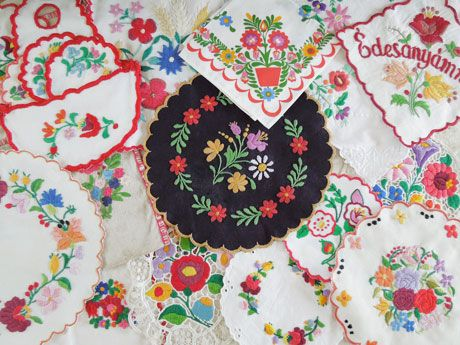 BERN BLOG - ベルンブログ   買付商品の様子 ハンガリー刺繍編