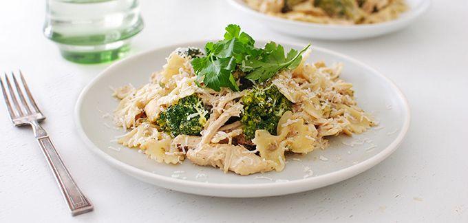Slow cooker Alfredo chicken, broccoli, bow tie pasta