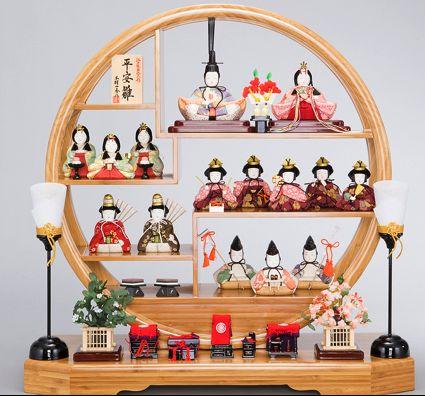 バレンタインも終わり、来月はもう3月!3月と言えばひな祭りですね!皆さんは、ひな人形がインテリアとして親しまれ始めているのをご存知ですか?最近では、子供部屋にコンパクトなひな人形が飾られたり、お子様がいないご家庭でも季節のインテリアとして飾…