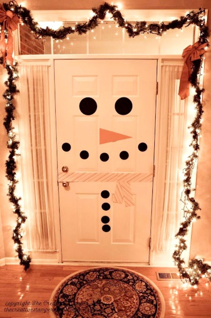 Cute and Easy Christmas decorations - like this snowman door