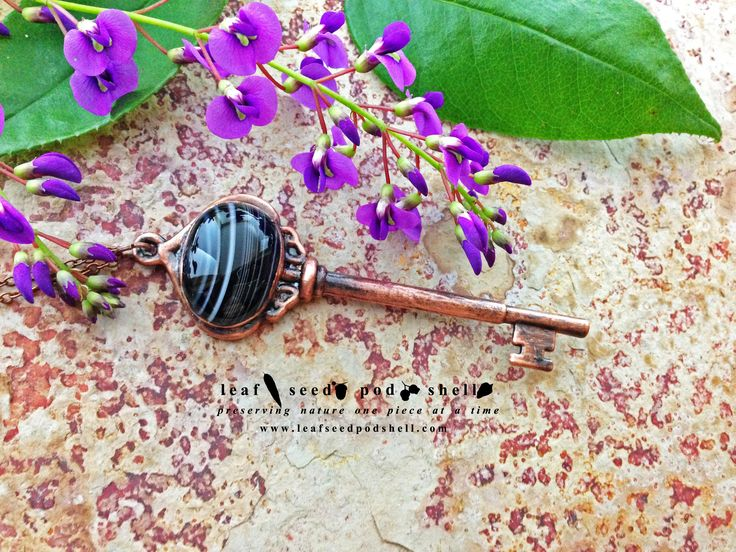 Antique copper vintage key with a black vein agate cabochon.  Available now, link in bio. #leafseedpodshell #crystal #crystals #electroform #electroforming #electroformed #jewelry #jewellery