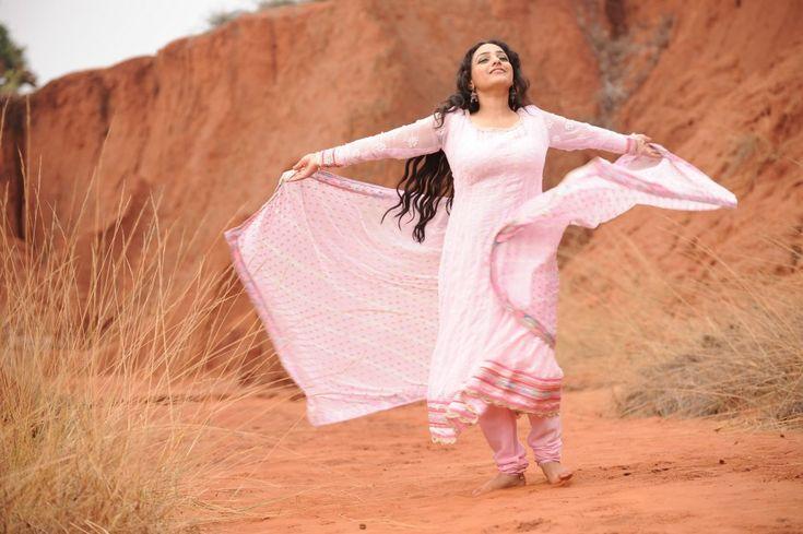 Actress Nithya Menon in Malli Malli Idi Rani Roju Movie New Photos