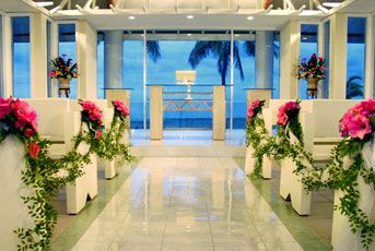 Oooo why go to all the trouble of having a beach wedding when there is this lovely Sheraton wedding Chapel