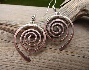 Pendientes de cobre, mano hecho joyería, pendientes de cobre, pendientes Remolino, rústico pendientes, pendientes de Metal mezclados, espiral pendientes, plata