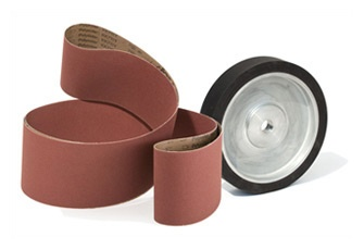 www.consiglioabrasivi.com ABRASIVE BELTS AND CONTACT WHEELS The industrial production of abrasive belts has always been a key point of our company. We show a selection of the most standard sizes on our catalogue, but can offer tailor-made solutions based on each need.