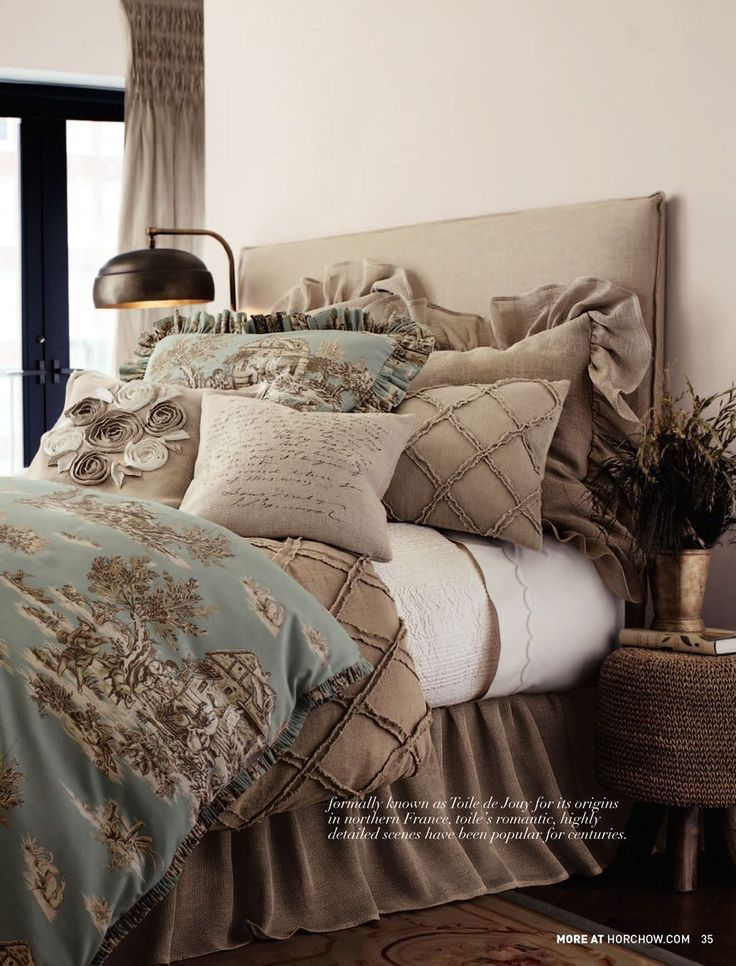 burlap big pillow, diamond, and flower. love it. thinking no sky blue but navy or yellowish...