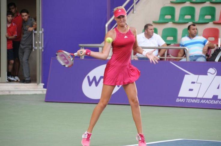 @KikiMladenovic a été battue en 1/4 par #Schiavone en 3 sets (3-6, 6-4, 0-6) au tournoi @WTA de #Bakou ! #MCS