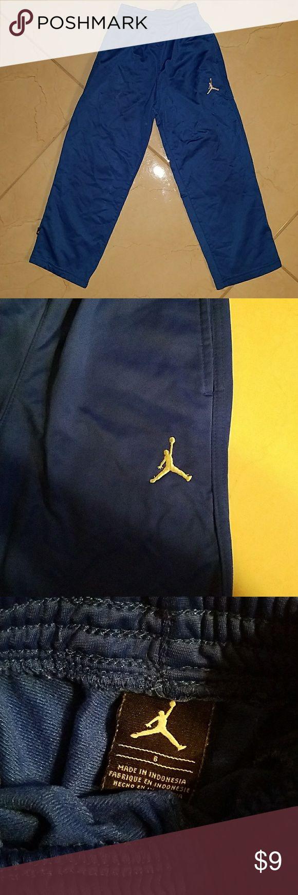 Jordan Sweat pants In good condition and very warm... Jordan Bottoms Sweatpants & Joggers