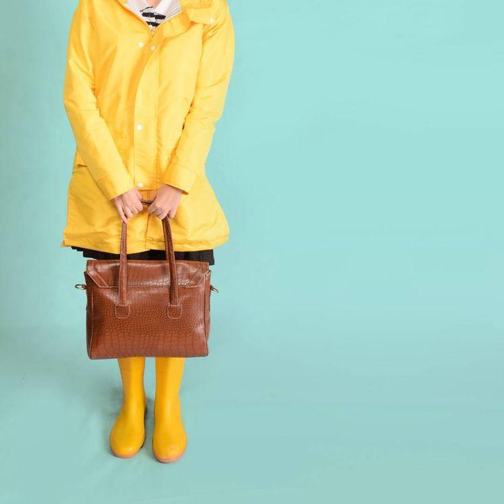 If you like Piña Coladas, getting caught in the rain #jimmybuffett . . . . #rain #rainwear #productdesign #fashion #design #season #ameraincoat #raincoat #yellow #urbanoutfitters  #vscocam #love #tweegram #rainyday #clouds #cloudy #photooftheday #ootd #umbrella #instagood #gloomy #instamood #smile #pictoftheday #nature #style #outfit