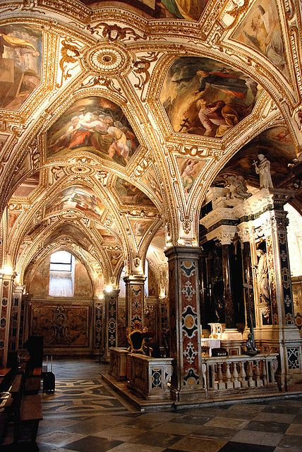 St. Andrew's Cyrpt / Amalfi Cathedral / 13th Century / The relics of Saint Andrew the Apostle have been kept here almost 1,000 years.