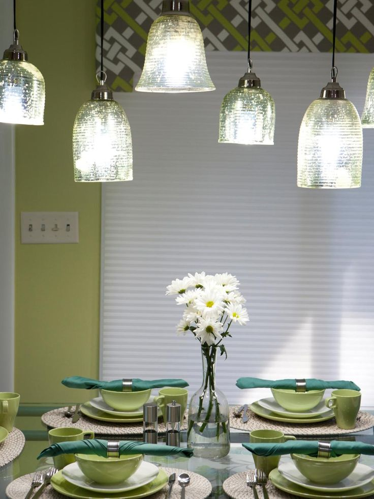 Beautiful before and after makeovers from hgtv 39 s great for Great kitchen colors schemes
