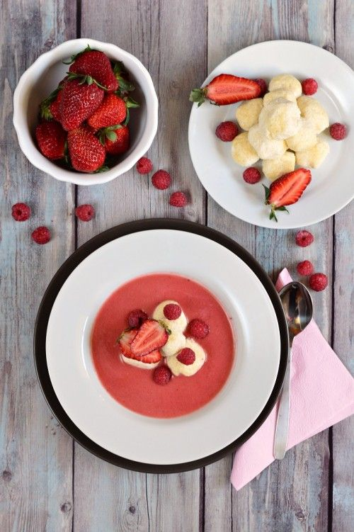 Joghurtos eperkrémleves vaníliás túrógombóccal