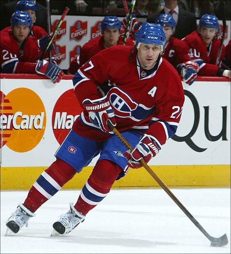 Alex Kovalev est échangé aux Penguins de Pittsburgh en novembre 1998. Il s'inscrira 347 fois (149-198) au tableau en cinq saisons avec l'équipe. En février 2003, Kovalev retourne avec les Rangers de New-York. Un an plus tard, il est échangé aux Canadiens de Montréal en retour de Jozef Balej et d'un choix de deuxième ronde (Bruce Graham) au repêchage de 2004. Il s'est surtout illustré en séries avec sa nouvelle équipe enregistrant 10 points en 11 matchs.
