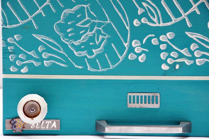 Radio feeling - recycled jewelery boxes