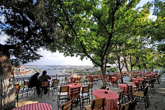 Günümüzde orijinali korunmasa da, yine Haliç'e tepeden bakan, güzel konumuyla görülmesi gereken yerlerden bir olduğunu söyleyebiliriz. Adres: Eyüp MerkezMahallesi, Pierre Loti Tepesi Turistik Tesisleri, İdris Köşkü Caddesi, Eyüp/İstanbul Telefon: 0212 5812696