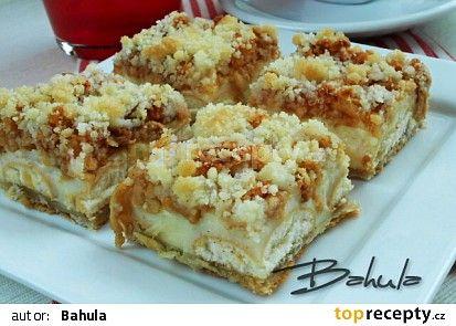 Jablečný koláč s pudinkem a piškoty recept - TopRecepty.cz