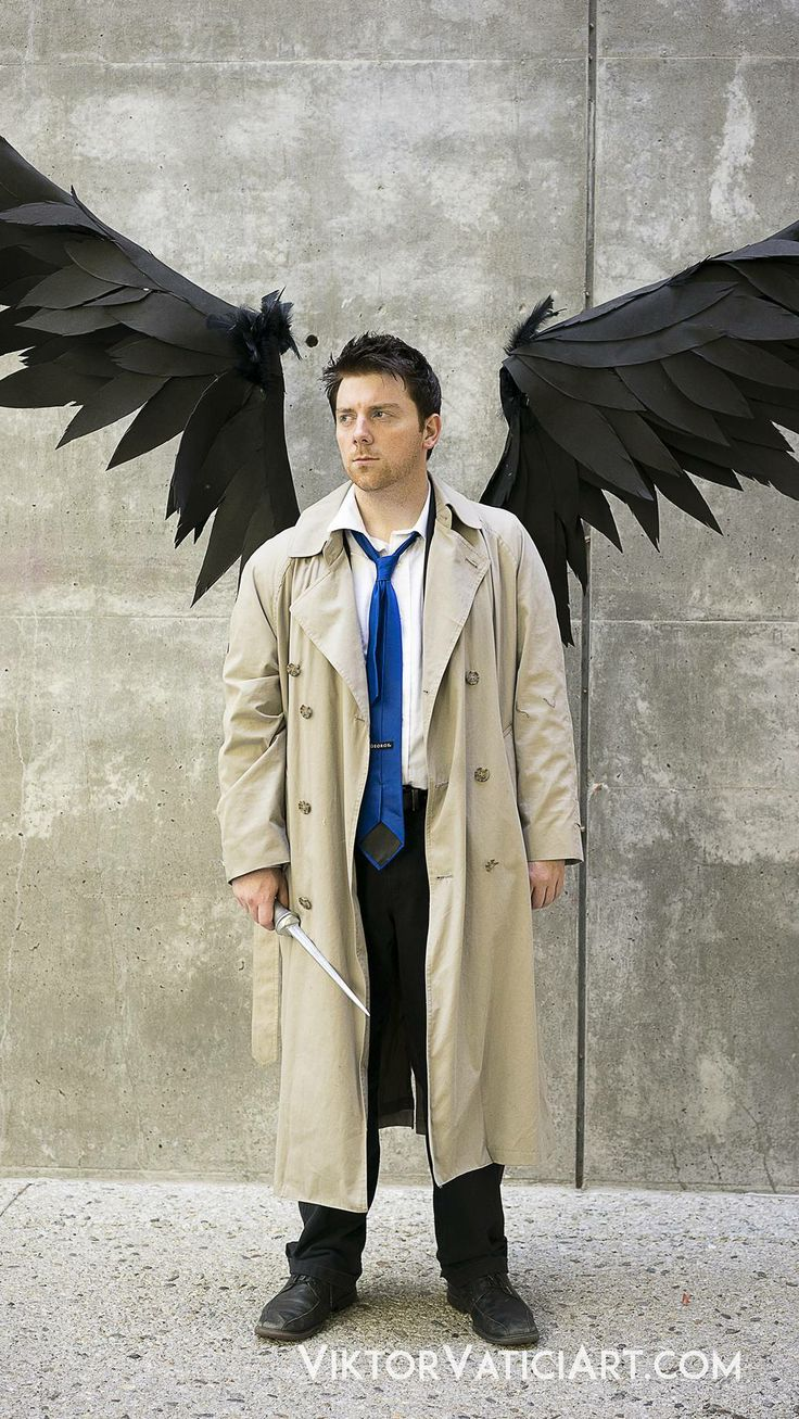 Awesome Castiel cosplay <---- I love that he did the wings as well. For some reason, I'm obsessed with Castiel's wings.