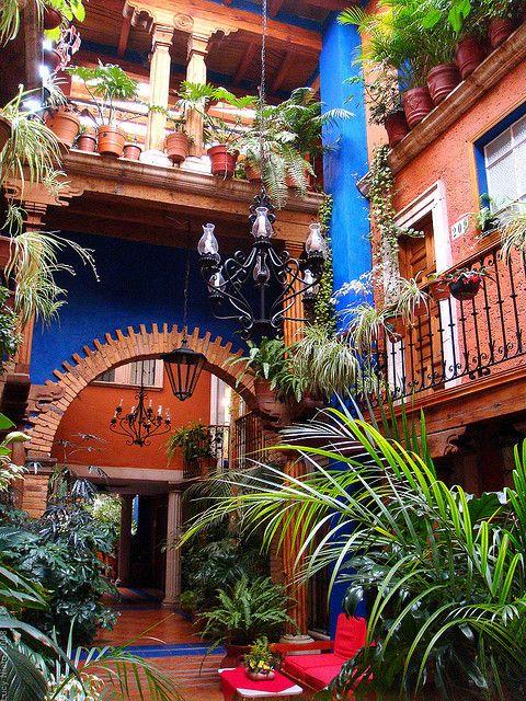 visitheworld:  Hotel Rincón de Josefa in Pátzcuaro, Michoacán, México (by Lucy Nieto).