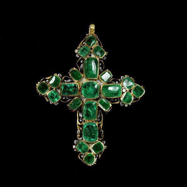 Pendant cross, made in Western Europe, 1650-1700