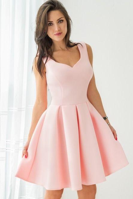 Elegancka, rozkloszowana sukienka - różowa