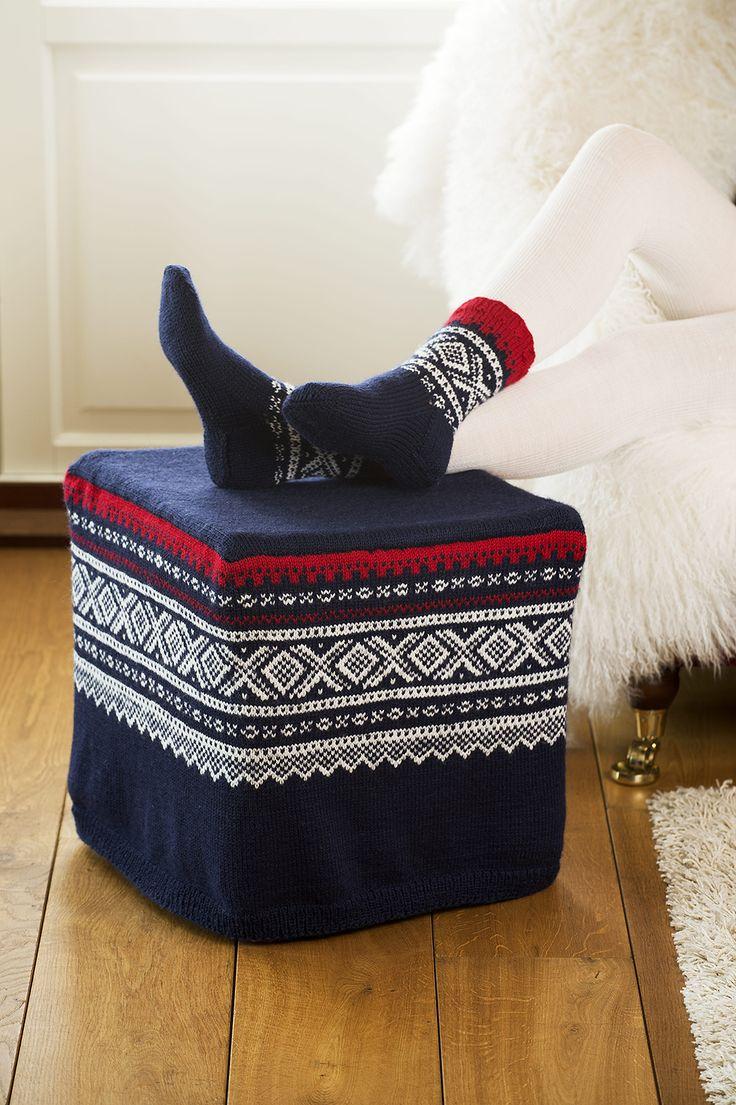 Norwegian Marius pattern: Ottoman and socks