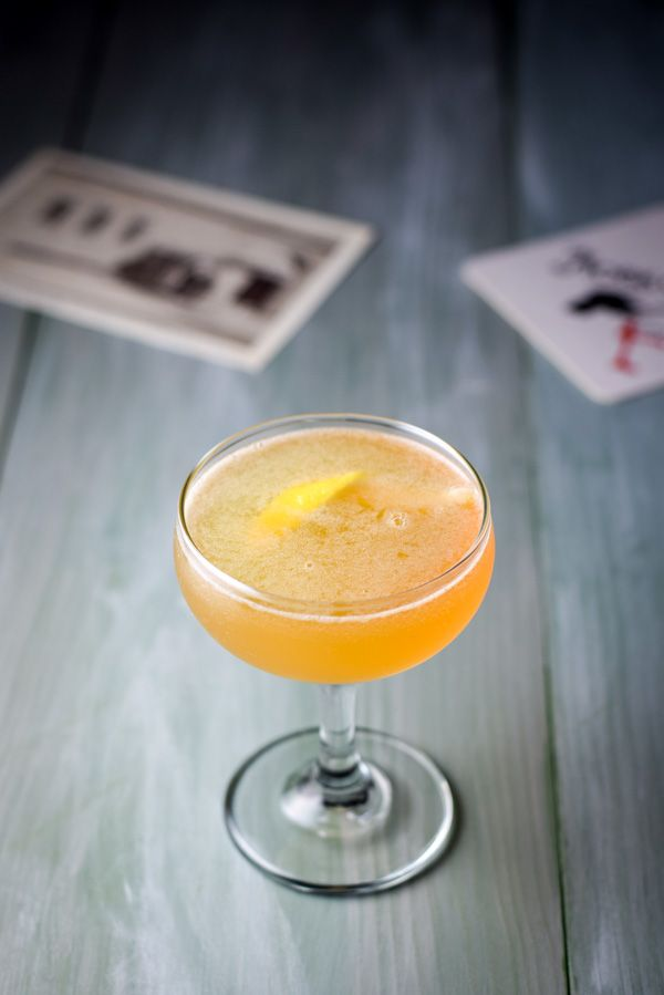 This sultry sidecar cocktail recipe will make you feel like you transported back in time when you drink it! So delicious and refreshing!! Try one today!