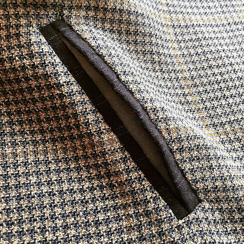Tutorial: Double-Welt Pocket w/Grosgrain Ribbon